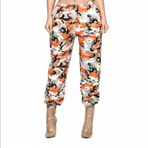 NWOT NEW KYLIE JENNER ORANGE CAMO SWEAT PANTS